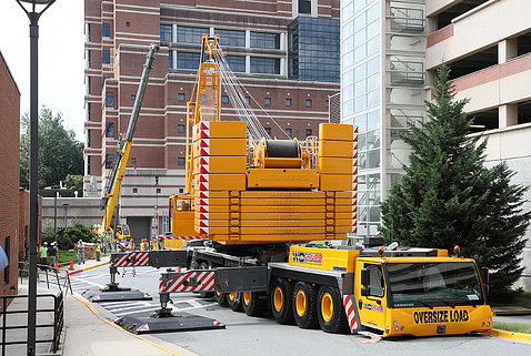 The 600-ton capacity crane and the 75-ton support crane.