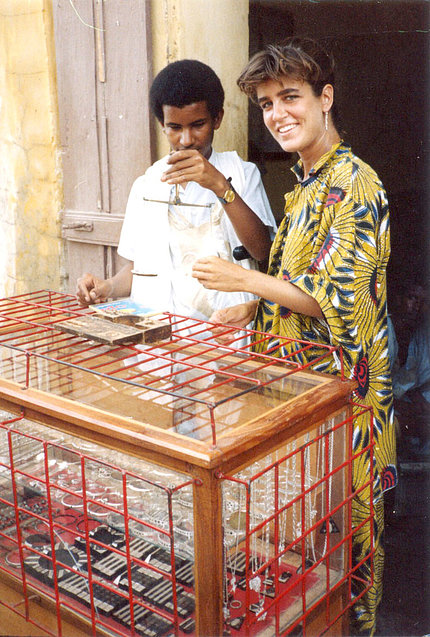 Sienché purchases jewelry in Dakar, Senegal