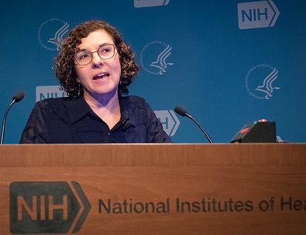 Dr. Diez Roux speaks at podium