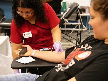 NCATS staff participate in local blood drive.