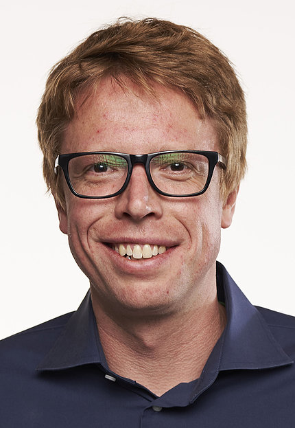 Dr. Luke Gilbert