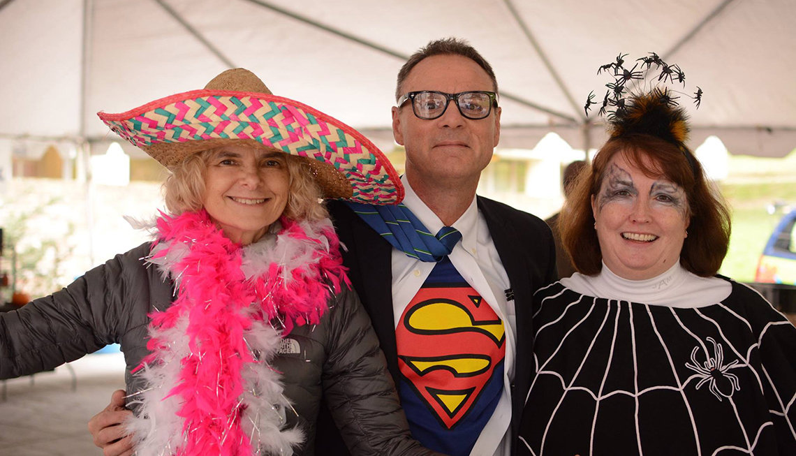Volkow wears Mexican hat, joined by Superman and Spiderwoman
