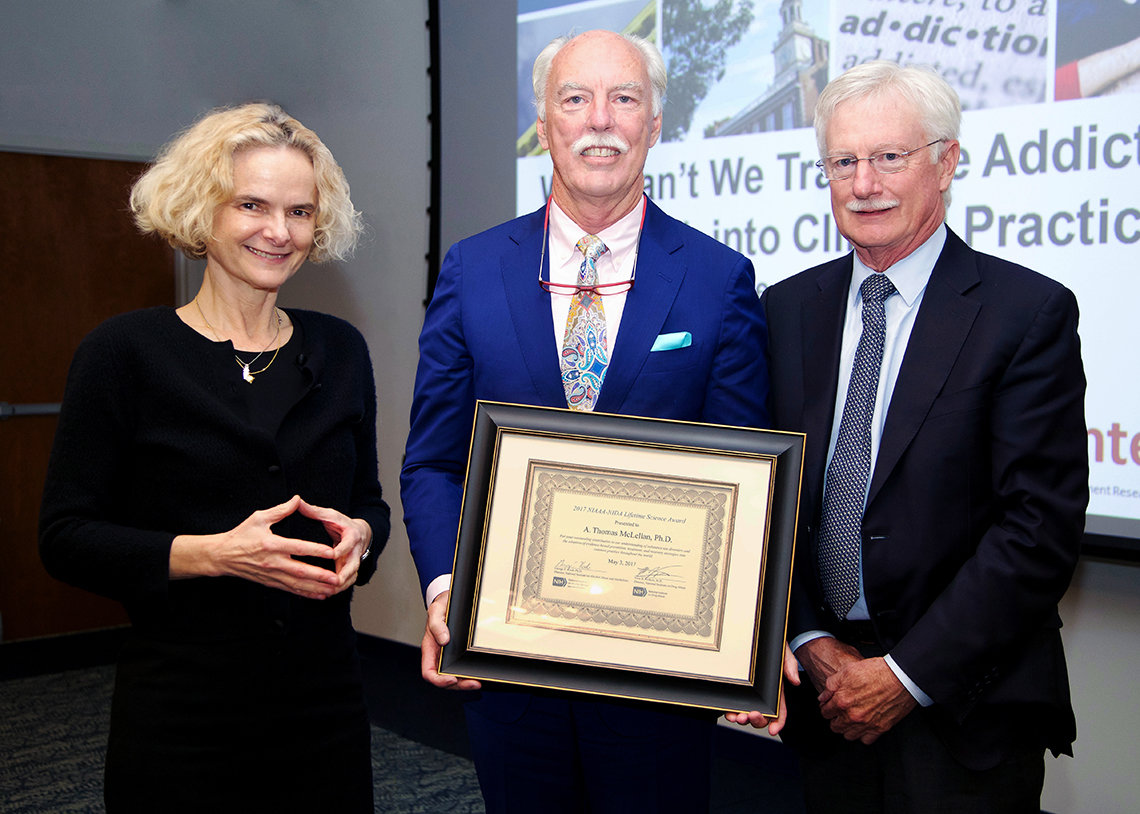 Volkow and Koob present award to McLellan