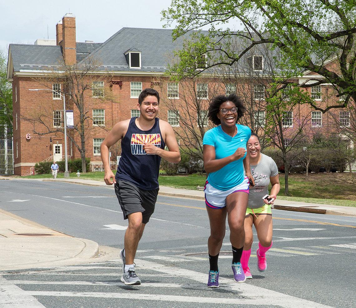 5K participants run