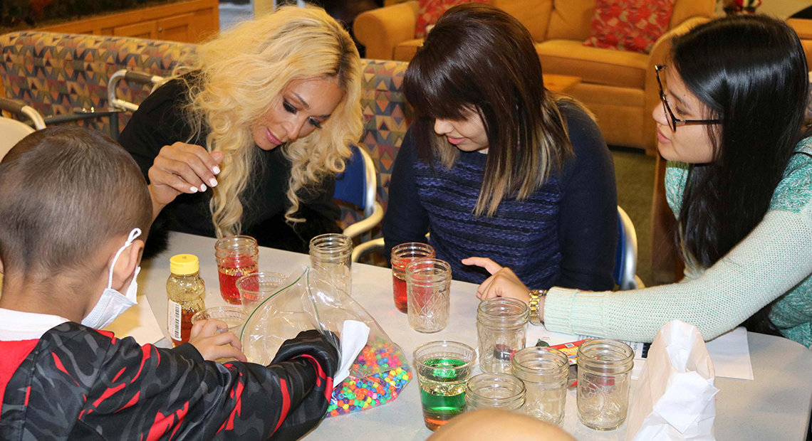 Real Housewives of Potomac star Karen Huger does art with inn patients.