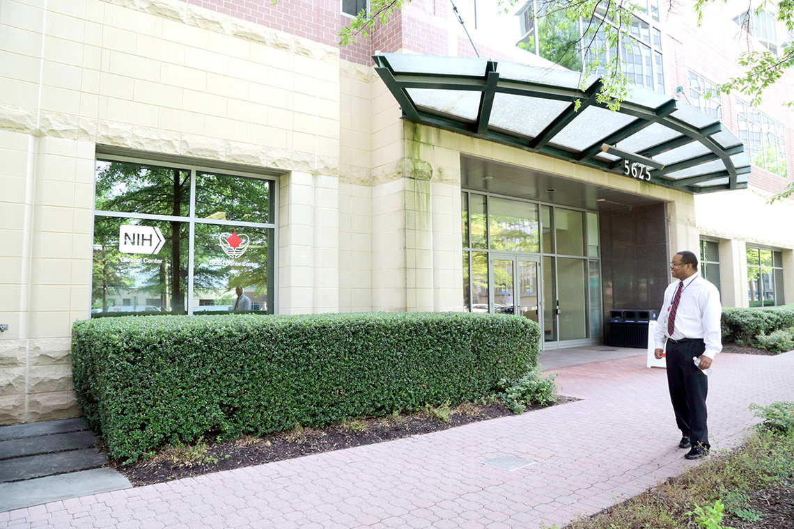 Exterior view of entrance to the NIH Donor Center at Fishers Lane