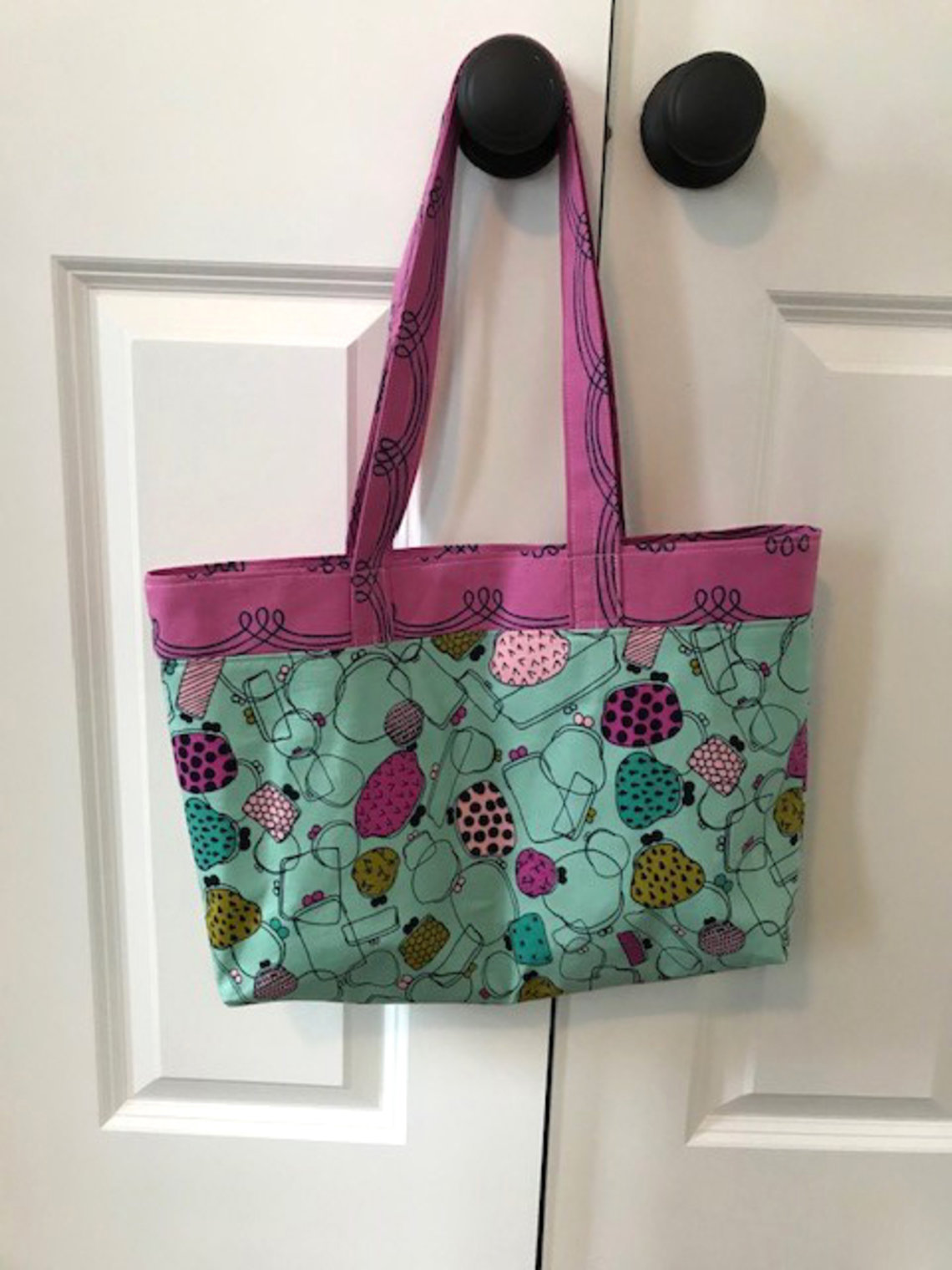 A purse with a pattern