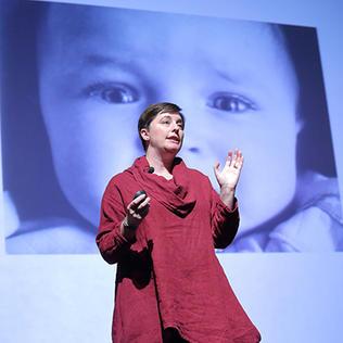 Dr. Katie Hinde speaks at NIH.