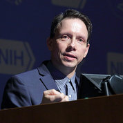 Dr. Horvath speaks at NIH.