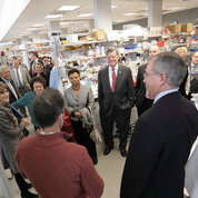 The delegation stopped at the PNRC for a tour of NIA's Laboratory of Neurogenetics.   PHOTO: ERNIE BRANSON