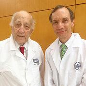 Drs. Thomas Waldmann (l) and Michael Lenardo