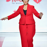 Actress Marion Ross walks the runway in memory of her parents who both died of heart disease. PHOTO: GETTY IMAGES/AHA