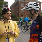 NLM's Mike Bopf (l) and NIDA's Stuart Kern chat about their commute in. PHOTO: LISA HELFERT
